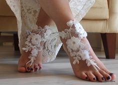 Wedding shoes ivory sandals anklets 70 Ideas for 2019 Wedding Sandals For Bride, Barefoot Sandals Wedding, Beach Wedding Shoes, Bride Shoes, Ivory Sandals, Bare Foot Sandals, Beach Sandals, Lace Weddings, Wedding Lace