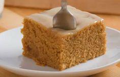 Do tego ciastka potrzebujesz zaledwie 3 najprostszych składników, które zapewne masz w swojej kuchni. Co ważne, przygotowanie ciastka łącznie z pieczeniem zajmie ci mniej niż 20 minut. Vanilla Cake, Desserts, Fit, Tailgate Desserts, Deserts, Shape, Postres, Dessert, Plated Desserts