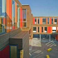 Dutchpractice HVDN architecten have completed this wood and aluminium-clad building totemporarilyhouse a school in Amsterdam, the Netherlands.