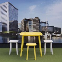 What a lovely spot to sit and take in the view. #arkofurniture #madeinmelbourne #otistable #otisstool #gardenfurniture #apartmentliving #furnituredesign #australiandesign #australianmade #breakoutspace #officefitout #corporatelife #corporatefitout #balcon