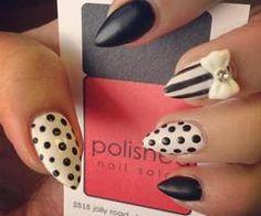 Black && White Almond Nails<3