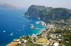 Capri, Italy! One of my favorite places in Italy! We were here in May 2011=)