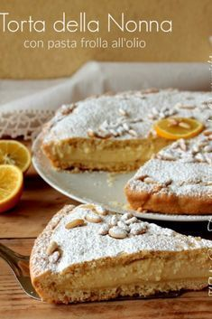 Torta della nonna con pasta frolla all'olio Granny's cake is a simple and genuine classic dessert with pastry and custard, decorated with many toasted pine nuts and a sprinkling of icing sugar. Classic Desserts, Italian Desserts, Great Desserts, Italian Recipes, Sweet Recipes, Cake Recipes, Shortcrust Pastry, Bakery Cakes, Sweet Tooth