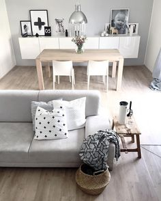 """3,653 mentions J'aime, 50 commentaires - Klara (@kajastef) sur Instagram : """"Good morning and enjoy a great day...bit cloudy outside but cozy inside🌸 #interiorstyling…"""""""