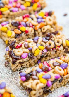 No-Bake Honey Nut Cheerios Snack Bars - Fast, easy breakfast/snack bars at averiecooks.com