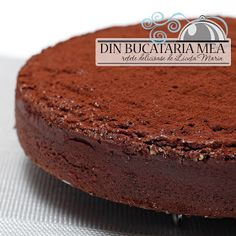 Din bucătăria mea: Chec cu ciocolata si alune de padure Food Cakes, Lidl, Banana Bread, Cake Recipes, Baking, Desserts, Workshop, Sweets, Healthy
