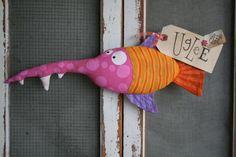Here Fishy Fishy . Softies, Fabric Fish, Crazy Toys, Diy Back To School, Fish Crafts, Paperclay, Kokeshi Dolls, Fabric Scraps, Fabric Toys