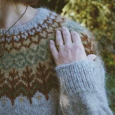 irishhomestead's Lopapeysa colorwork sweater in Icelandic Lett Lopi. Cable Knitting, Fair Isle Knitting, Sweater Knitting Patterns, Knit Patterns, Winter Sweaters, Sweaters For Women, Icelandic Sweaters, Nordic Sweater, Hygge