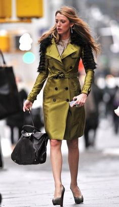 Blake Lively in a metallic burberry coat - gossip girl outfits