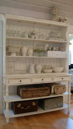 THIS is the hutch I want