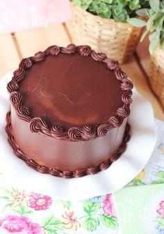 Definitivamente si!, tengo adición ultimamente por el chocolate, contra más mejor!!! y siempre pienso en chocolate!, todo va en torno al chocolate!! y ya me estoy poniendo muy pesadita…Por eso me he jurado no hacer nada de chocolate en un…