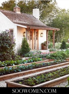 Every thought about how to house those extra items and de-clutter the garden? Building a shed is a popular solution for creating storage space outside the house. Whether you are thinking about having a go and building a shed yourself Modern Farmhouse Design, Modern Farmhouse Exterior, Farmhouse Homes, Farmhouse Garden, Farmhouse Style, Farmhouse Decor, Farmhouse Interior, Farmhouse Plans, Farmhouse Sheds