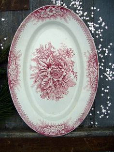 antique platter. I want to try some southern looking dinner ware like this. Old fashioned themed