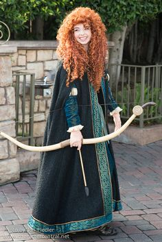 Information about Princess Merida () and pictures of Princess Merida including where to meet them and where to see them in parades and shows at the Disney Parks (Walt Disney World, Disneyland, Disneyland Paris, Tokyo Disneyland) Walt Disney, Merida Disney, Disney Love, Disney Magic, Disney Girls, Merida Cosplay, Disney Cosplay, Princess Merida, Disney Princess