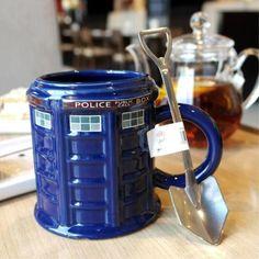 Doctor Who tardis cup