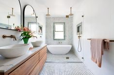 Stunning Moroccan Style Bathroom Design - Just in Place Blog Wet Room Bathroom, Eclectic Bathroom, Coastal Bathrooms, Modern Farmhouse Bathroom, Bathroom Renos, Modern Bathroom Design, Bathroom Styling, Bathroom Interior, Small Bathroom