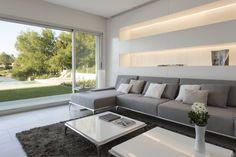Inspired by Brukman Chechik: Livings de estilo por LIVE IN Trendy Living Rooms, Apartment Living Room, Living Decor, Interior, Modern Apartment, Living Room Decor Apartment, Trendy Home, Furniture, Apartment Decor
