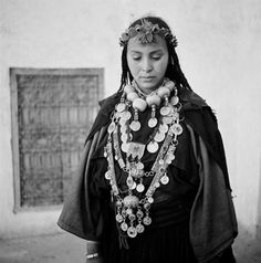 Africa | Issafene woman adorned with jewels.  ca. 1934 - 39.  Central Anti Atlas region | ©Jean Besancenot.