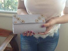 Branco e Lilás - Ateliê: Clutch em cartonagem linda!!