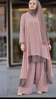 Image may contain: 1 person Pakistani Fashion Casual, Abaya Fashion, Fashion Dresses, Hijab Style Dress, Hijab Outfit, Moslem Fashion, Modele Hijab, Mode Abaya, Stylish Dresses For Girls