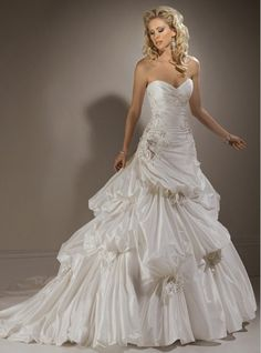 Taffeta Strapless Sweetheart Neckline With Rouched Bodice In A Line Pick Up Skirt 2012 Hot Sell Corset Wedding Dress