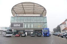 MHS Truck & Bus Group: crestere cu 30% a vanzarilor in 2015 // MHS Truck & Bus Group Romania a inregistrat in 2015 o crestere in vanzari de 30% si o cifra de afaceri consolidata de 104 milioane de euro. Anul trecut a reprezentat un an de crestere si pentru celelalte afaceri ale MHS Holding: Automobile Bavaria Group Romania si Schmidt Gruppe Deutschland. Cea mai mare crestere in vanzari s-a remarcat in segmentul autotractoarelor.