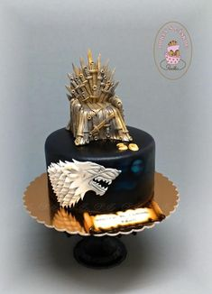 Hra o tróny. Game of thrones cake! Game Of Thrones Birthday Cake, Game Of Thrones Cake, Game Thrones, Baking Basket, Birthday Cake For Husband, Unique Birthday Cakes, Paw Patrol Cake, Cake Games, Cakes For Men