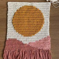 Diy Crochet Wall Hanging, Crochet Wall Art, Tapestry Crochet Patterns, Crochet Wall Hangings, Crochet Home Decor, Tapestry Wall Hanging, Crochet Crafts, Crochet Hooks, Crochet Projects