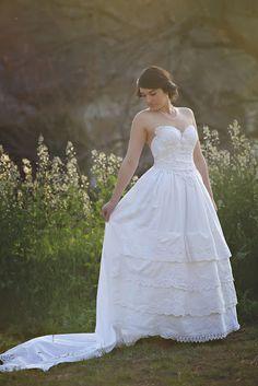 Vintage Lace Corset Wedding Gown with by HopefullyRomantic on Etsy Woodland Wedding Dress, Rustic Wedding Gowns, Chic Wedding, Wedding Ideas, Trendy Wedding, Perfect Wedding, Wedding Dresses Plus Size, Best Wedding Dresses, Vintage Lace Gowns