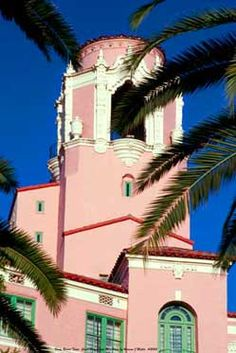 St Petersburg, FL--I call this the Pink Hotel.  You can see it for miles