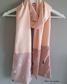 joli foulard cousu avec les tissus en vente sur 36bobines.com, la boutique pour la couture tendance !