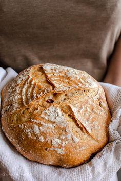 Pâine cu roșii uscate și busuioc (cu maia naturală) Cooking Bread, Just Bake, Pain, Good Food, Food And Drink, Health Fitness, Healthy Recipes, Barley Recipes, Cookies