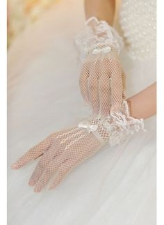 Cheap ivory bridal gloves, Buy Quality bridal gloves directly from China wedding gloves Suppliers: Stunning Vintage Short Bow Wedding Bridal Gloves Ivory Bridal Gloves Beautiful Short Finger Wedding Gloves Wedding Gloves, Wedding Bows, Wedding Dresses, Formal Wedding, Wedding Ceremony, Dream Wedding, Lace Cuffs, Lace Gloves, Women's Gloves