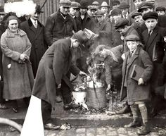 1930 - 1940. The traditional burning of stale bread on the first day of Passover in Amsterdam. #amsterdam #1940 #Passover