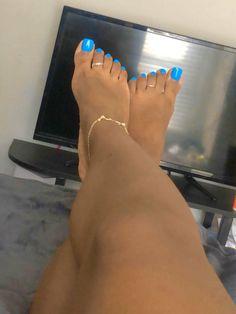 Toe Nails White, Gel Toe Nails, Acrylic Toe Nails, Pretty Toe Nails, White Toes, Feet Nails, Pretty Toes, Toenails, Pies Sexy