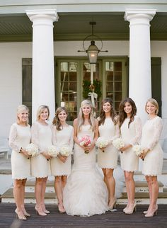 #Bridesmaids | Short White Dresses | Lace | Photography: Leslee Mitchell
