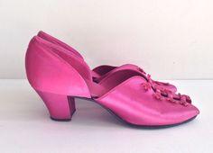 Vintage 40s Daniel Greene Comfy Peep Toe Satin Heels Slippers Fuchsia Size 8 #DanielGreen #Slippers