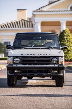 Superficially it's an immaculate classic Range Rover. Introducing Project Alpha from East Coast Defender Automotive Range Rover Classic, Range Rover Car, Range Rovers, Project Alpha, Garage Workshop Plans, Suv Models, Top Luxury Cars, Expedition Vehicle, Land Rover Discovery