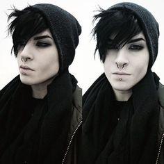today, still hot tho - Stil Finder Goth Guys, Emo Guys, Gothic Fashion, Look Fashion, Rebel Fashion, Pretty People, Beautiful People, Cute Emo Boys, Estilo Rock