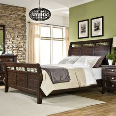 The Imagio Home Hayden Sleigh Bed classic details with a modern touch to make your bedroom even more beautiful. Sleigh Bedroom Set, Kids Bedroom Sets, Sleigh Beds, Bedroom Ideas, Bedroom Decor, Bedroom Colors, Bedroom Designs, Mirrored Bedroom Furniture, Bed Furniture