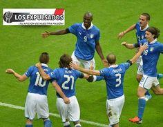 Yo vi a Ballotelli celebrar un gol...........