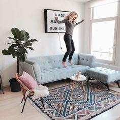 Joeee! Heb je m'n living room video al gezien? Met ALLES over dit blauwe velvet…