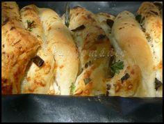 Trhací chléb (Pull Apart Bread) Pull Apart Bread, Fresh Rolls, Ethnic Recipes, Food, Meal, Essen, Hoods, Meals, Eten