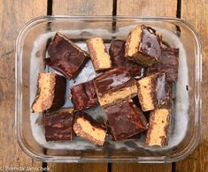 Made with eight simple pantry ingredients this gooey caramel and chocolatey slice is sheer heaven. Created by my daughter who makes sure there is a constant Salted Chocolate, Chocolate Topping, Almond Recipes, Raw Food Recipes, Vegan Caramel Slice, Healthy Sweets, Healthy Snacks, Baking Tins, Yummy Snacks