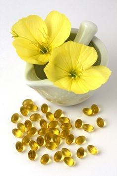 How evening primrose oil helped induce labor naturally and resulted in a successful water birth! Herbal Remedies, Health Remedies, Home Remedies, Natural Remedies, Natural Oils, Natural Health, Natural Birth, Au Natural, Natural Products
