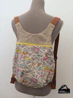 Backpack, I include Fem Detalls pattern (at the end of the post)- Mochila, incluyo patrón de Fem Detalls (al final del post) Neus pattern backpack - Mochila Tutorial, Diy Sac, Diy Backpack, Backpack Pattern, Patchwork Bags, Fabric Bags, Handmade Bags, Diy Clothes, Purses And Bags