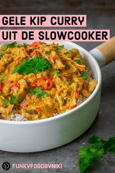 Gele curry met kip uit de slowcooker - FunkyFood by Niki Slow Cooker Recepies, Healthy Slow Cooker, Healthy Meals For Two, Healthy Eating, Healthy Recipes, Curry Pasta, Bistro Food, Slow Food, One Pot Meals
