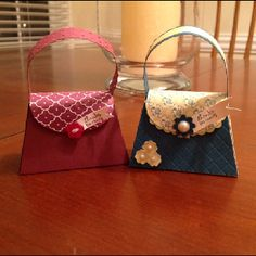 These are a couple of purses that I made from the Summer Smooches petite purse die.  Stampin' Up has a special this month featuring items that will be in the 2012-2013 catalog.