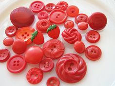 Vintage Red Buttons Now I love this bunch......gg
