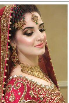 Stunning Wedding Dresses Stylish and Eye-Catching look 2017 Pakistan Bride, Pakistan Wedding, Pakistani Bridal Makeup, Pakistani Wedding Dresses, Bridal Dresses, Bridal Outfits, Bridal Lehenga, Bridal Looks, Bridal Style